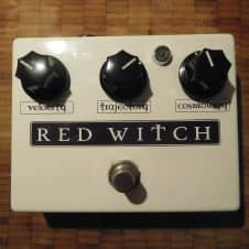Red Witch Moon Phaser Deluxe white