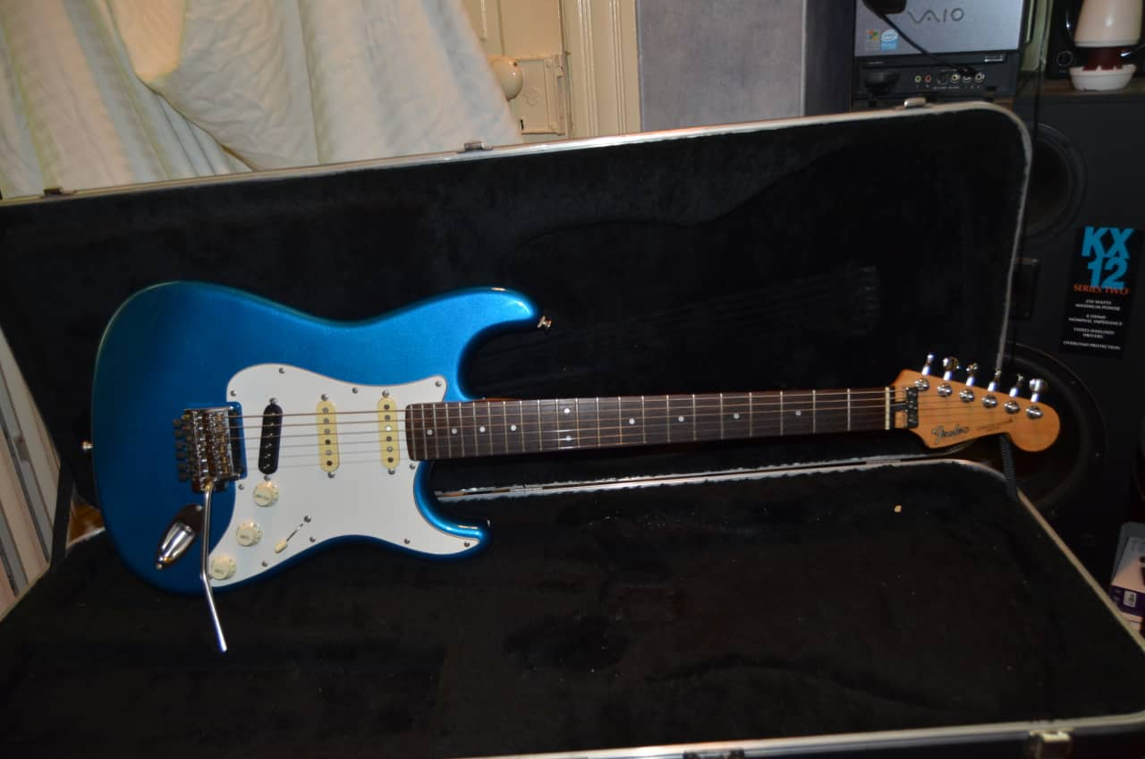 Dings And Dents >> Fender stratocaster made in japan 1987 blue | Reverb