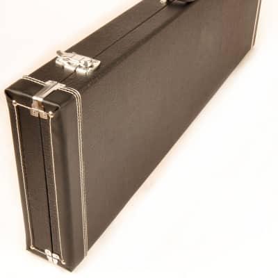 Douglas EGC-200 3/4  Case for 3/4 Size or Short Scale Guitars Black