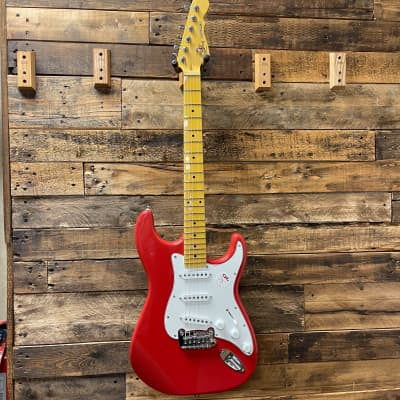 G&L Tribute Series Legacy with Maple Fretboard Fullerton Red