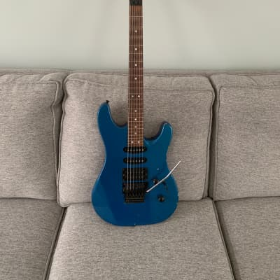 Vintage Relic 1990's Peavey Tracer III Teal blue with gig bag for sale