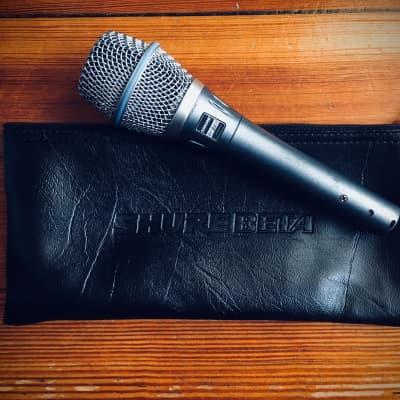 Shure Beta 87A Handheld Supercardioid Condenser Microphone