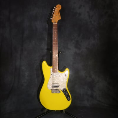 Fender Deluxe Series Cyclone 2006 Graffiti Yellow Kurt Cobain Mustang Style Guitar Rare for sale