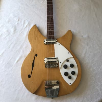 Rickenbacket Rose Morris 1997 (335) 1964 Mapleglo for sale