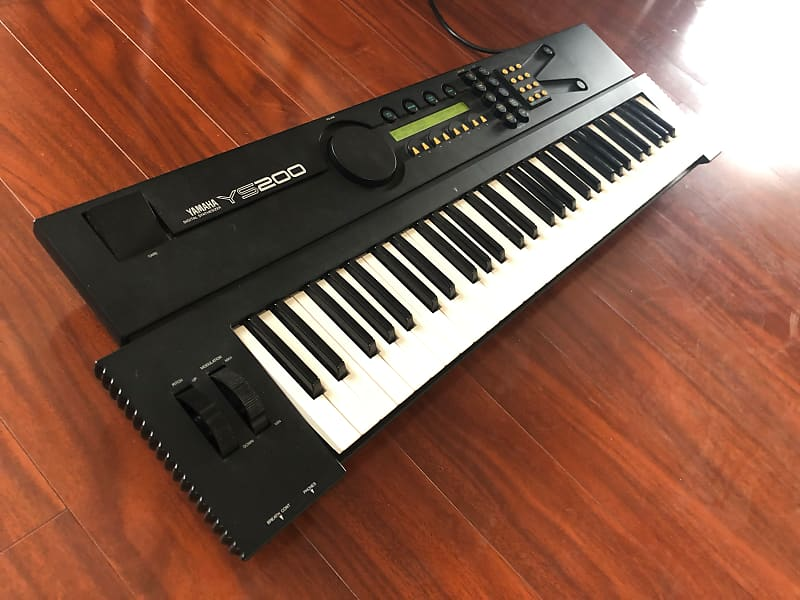 Yamaha YS200 4OP FM Synth w/ FX & Sequencer (DX11 / TX81Z)