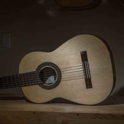 Michael Thames La Leona Classical Guitar in Spruce and African Blackwood for sale