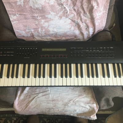 Roland JV-80 Digital Synthesizer w/60's 70's expansion card