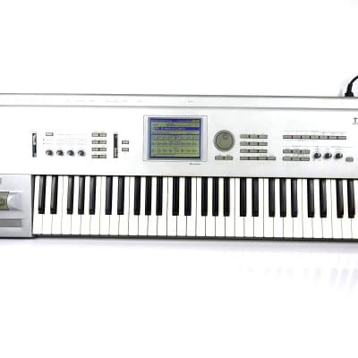KORG  TRITON CLASSIC 61 Workstation Synthesizer -FREE Shipping!