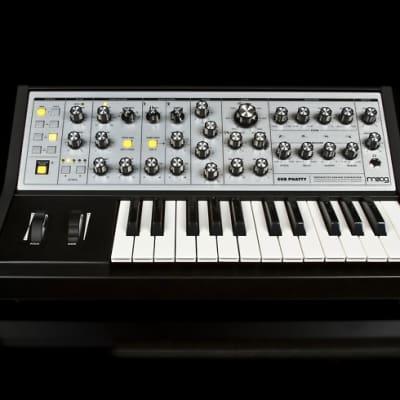 Moog Sub Phatty Synthsizer