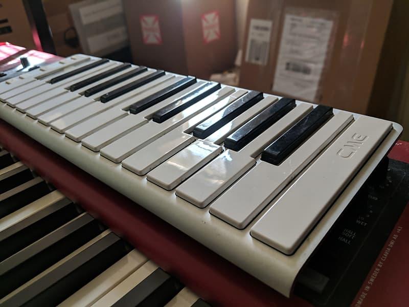 cme xkey 25 key mobile usb keyboard midi controller reverb. Black Bedroom Furniture Sets. Home Design Ideas