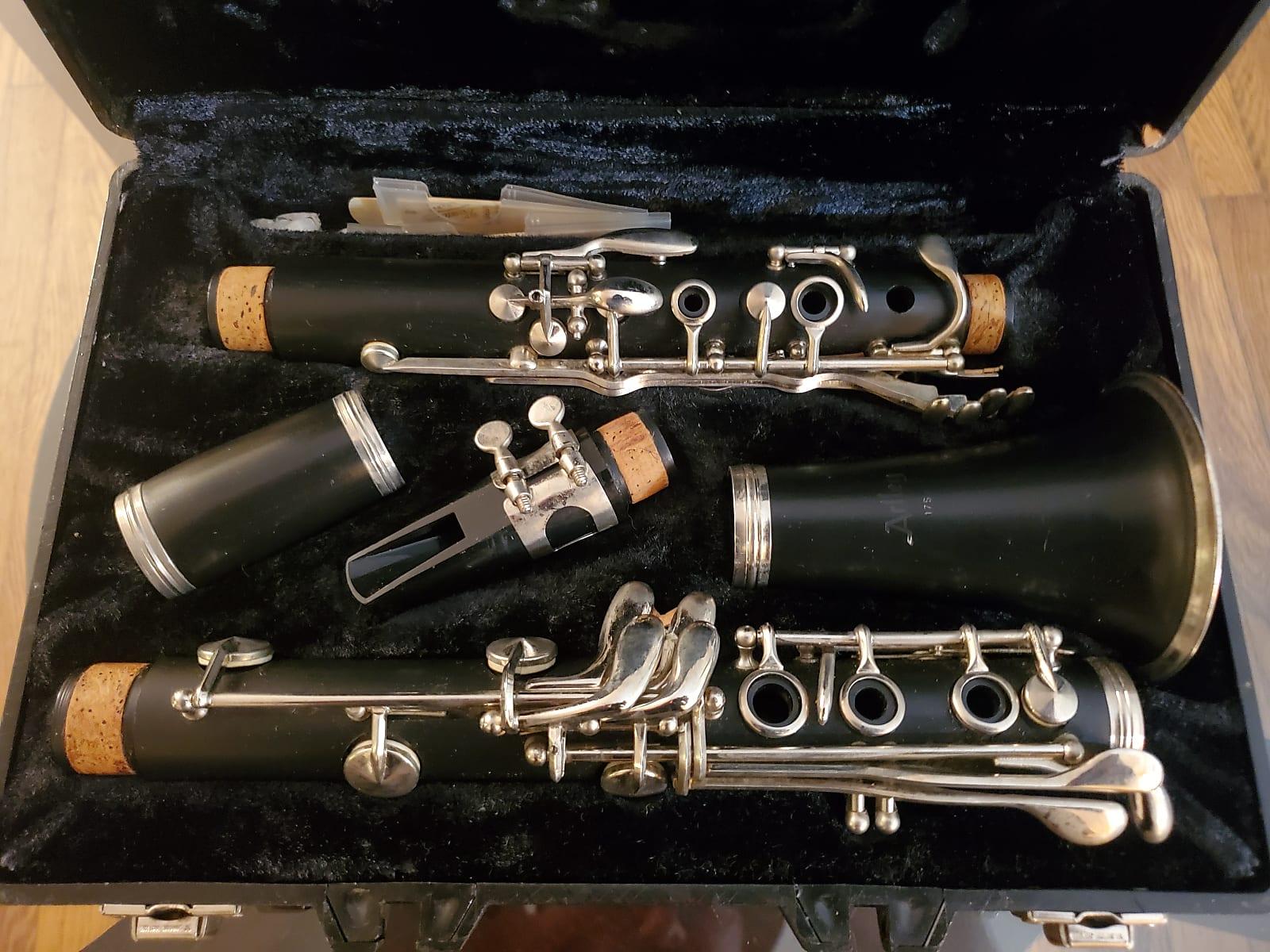 Artley 17S Student Clarinet w/ Case