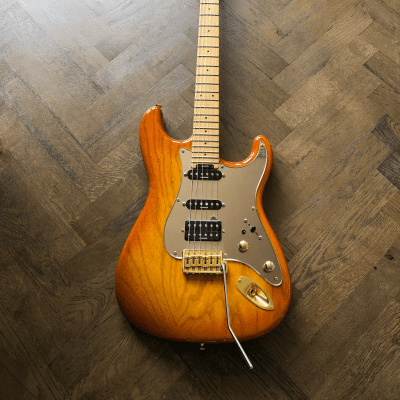 Blade RH-4 Classic Electric Guitar in Honey for sale