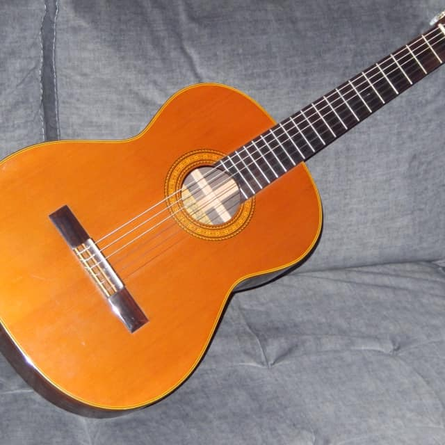 MADE IN MID1970s - TAKAMINE ELITE G200 -  BEAUTIFULLY SOUNDING CLASSICAL GUITAR image