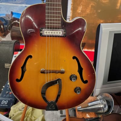 Guild M-65 Freshman  Sunburst 1966 for sale