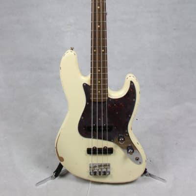 Fender 60th Anniversary Road Worn Jazz Bass Pau Ferro Fingerboard Olympic White