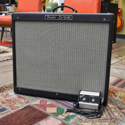 Fender Hot Rod DeVille 60 Watt 2x12 Combo Guitar Amplifier