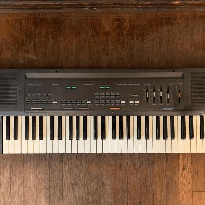 Casio CT-630 Casiotone 61-Key Synthesizer