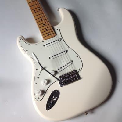 Fender Standard Stratocaster Left-Handed 2011 Arctic White for sale