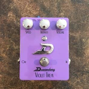 Duesenberg DPE-VT Violet Trem Tremolo