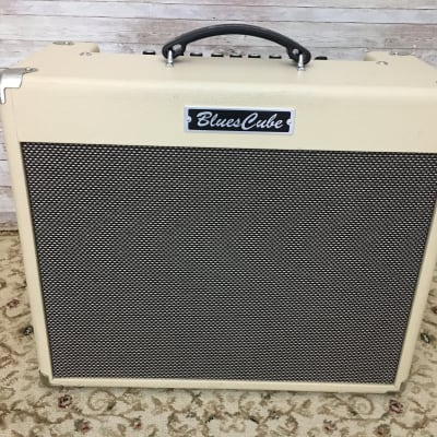 Used Roland BLUES CUBE STAGE Solid State Guitar Amp