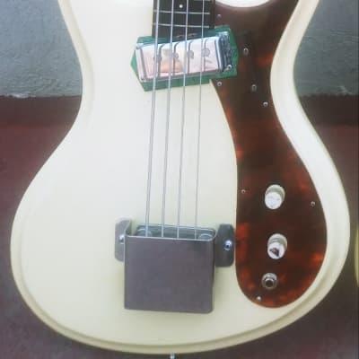 GuyatoneEb-01 1965White for sale