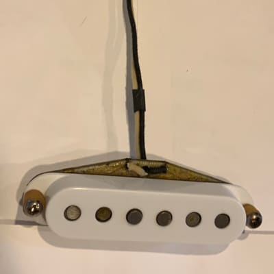Early 1970s Fender Stratocaster Neck Pickup Staggered Poles