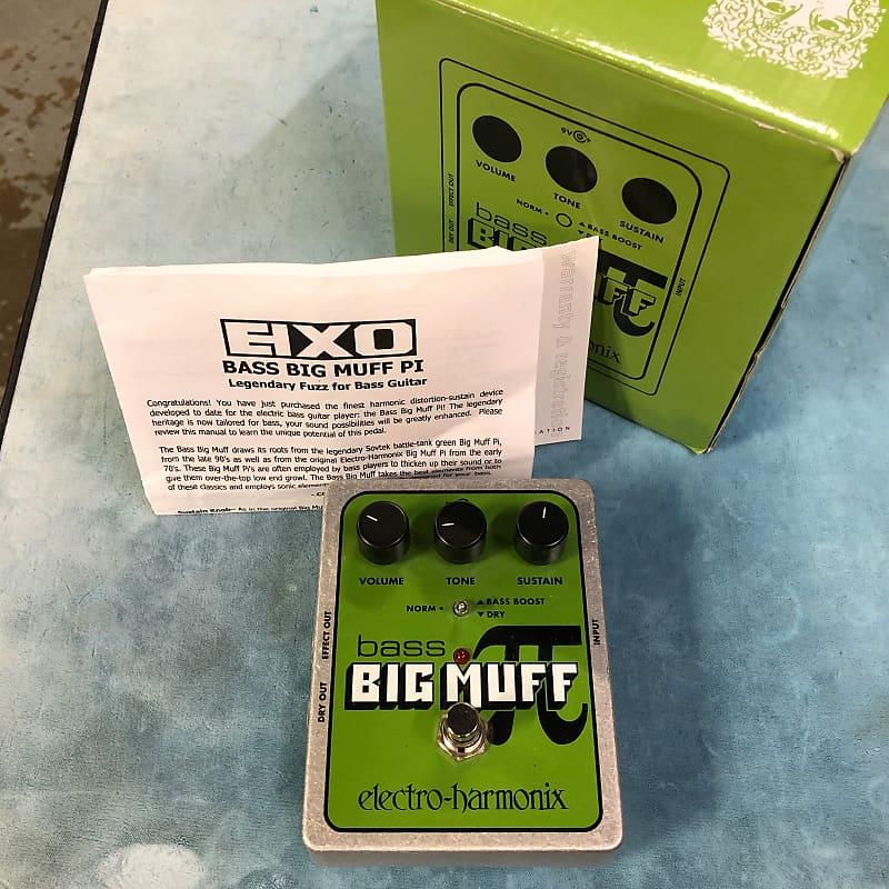 Electro-Harmonix EHX Bass Big Muff Pi Distortion / Fuzz Effects Pedal w/ Box