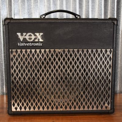 "Vox AD30VT Valvetronix 30 Watt 1x10"" Modeling Combo Amplifier Used"