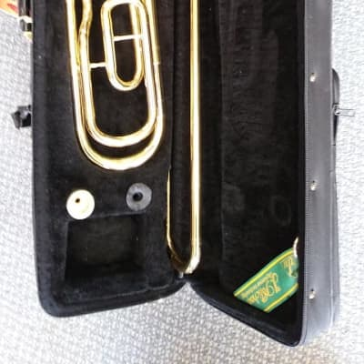 J.Micheal Trombone TB-550L w. Semi-Hard Case