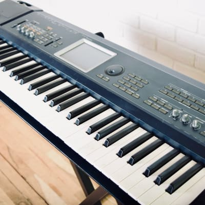 Korg Triton Extreme 61 key piano keyboard synthesizer good condition-synth