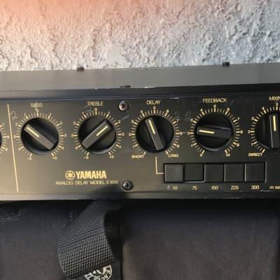 Yamaha E1010 Vintage Rack Mount Analog Delay 1979 Black