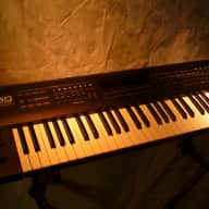 Roland JV-80 Digital Synthesizer