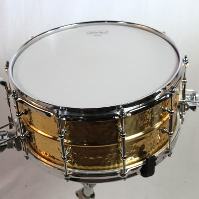 """Ludwig LB556KT Hammered Bronze Super-Sensitive 6.5x14"""" Snare Drum with Tube Lugs 1999 - 2016"""