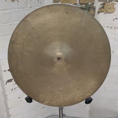 """Zildjian 18"""" Hollow Logo Crash Cymbal - 1685g"""