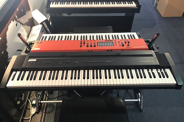 Roland EP-9 88-Key Digital Piano w/ Piano Style Sustain Pedal and Case  (Pre-Owned)
