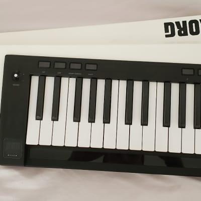 Korg RK-100S WH 37-Key Keytar w/ Built-In MMT Digital Synth