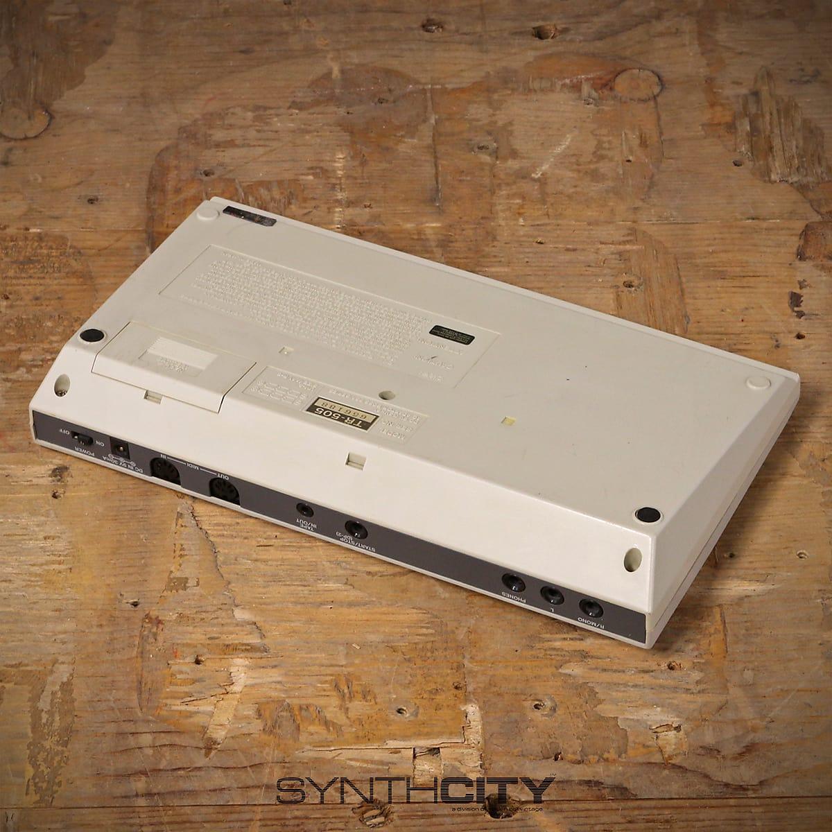 roland tr505 drum machine w power supply. Black Bedroom Furniture Sets. Home Design Ideas