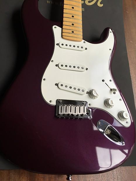 Fender American Standard Stratocaster 1999 Plum Purple