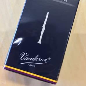 Vandoren CR113 Traditional Eb Soprano Clarinet Reeds - Strength 3 (Box of 10)