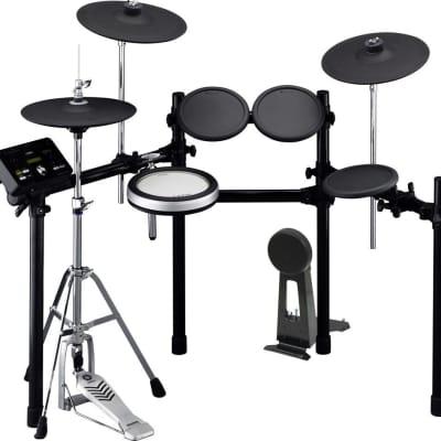 Yamaha DTX532K Electronic Drum Set & Essentials Bundle