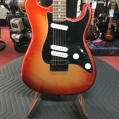 Contemporary Stratocaster® Special HT, Laurel Fingerboard, Black Pickguard, Sunset Metallic