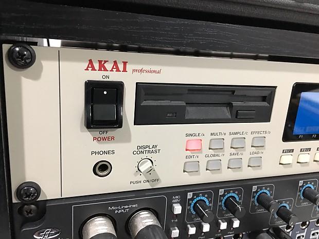 Akai S3000XL with Card Reader | Phatty's Daddy Shop