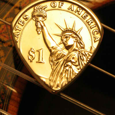 Master Artisan USA Presidential Liberty Dollar Coin Guitar Pick 2000's Gold