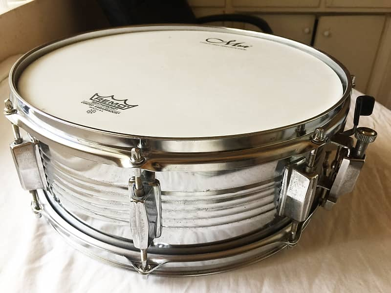 Vintage PEARL 14 x 5 5 Steel Snare Drum  Sounds Great !