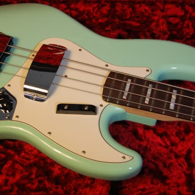 Fender 1966 Jazz Bass Nos New Old Stock Custom Shop Reissue Surf Green Latest Fashion New Musical Instruments & Gear Guitars & Basses