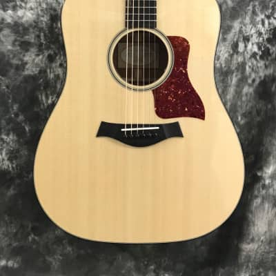 Taylor 510e Tropical Mahogany/ Spruce Dreadnought Non-Cutaway Acoustic Electric - Natural 2018