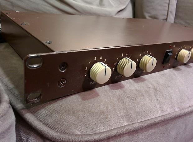 groove tubes speaker emulator reactive load cabinet reverb. Black Bedroom Furniture Sets. Home Design Ideas