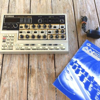 Yamaha AN200 Desktop Synthesizer + PLG 150-AN