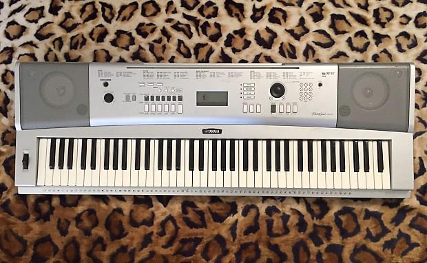 Yamaha DGX-220 Portable Grand Piano 76-Key Keyboard