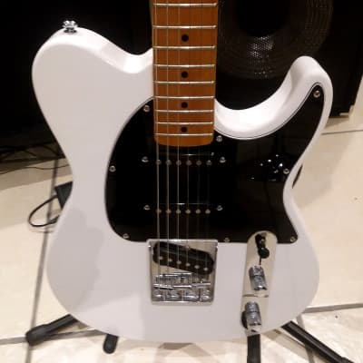 Peavey Generation Exp ACM 1990's White for sale
